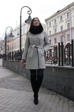 Зимнее пальто с меховым воротником Черемуха